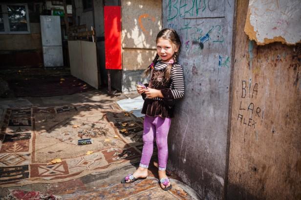 2-700-000-enfants-adolescents-vivaientle-seuil-pauvrete-France-2013_0_1399_933